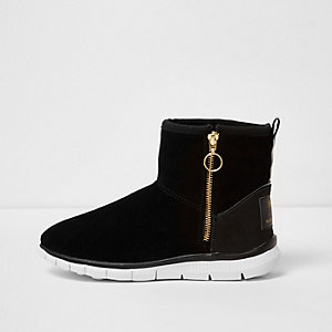 Black suede faux fur lined sporty boots