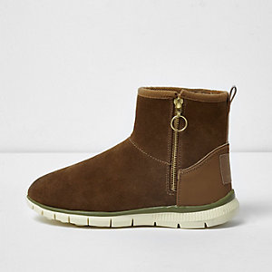 Tan suede faux fur lined sporty boots