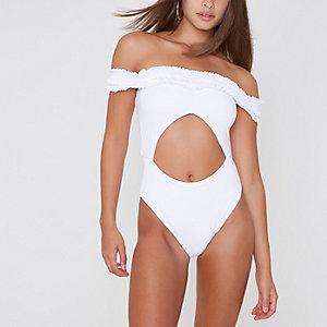 Weißer Badeanzug mit Ausschnitten
