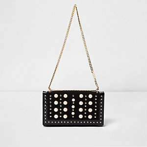 Black pearl studded underarm chain bag