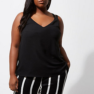 RI Plus - Zwarte cami top met dubbele kruisbandjes op de rug