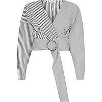 Grijze gestreepte crop top met riem en ring