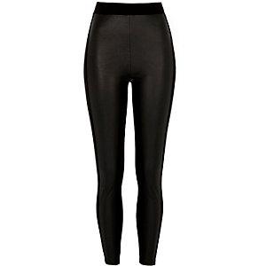 Zwarte imitatieleren legging met coating voor