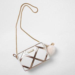 Metallic witte crossbodytas met paneel en ketting