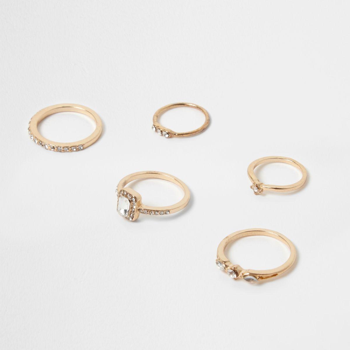 Gold tone rhinestone ring set