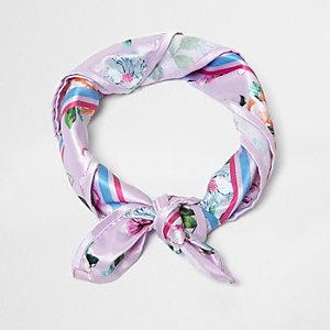 Lila vierkante satijnen sjaal met bloemenprint