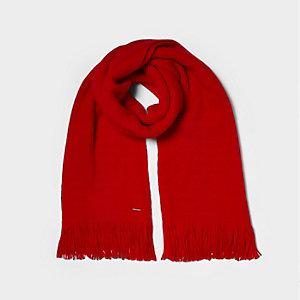 Écharpe rouge façon couverture