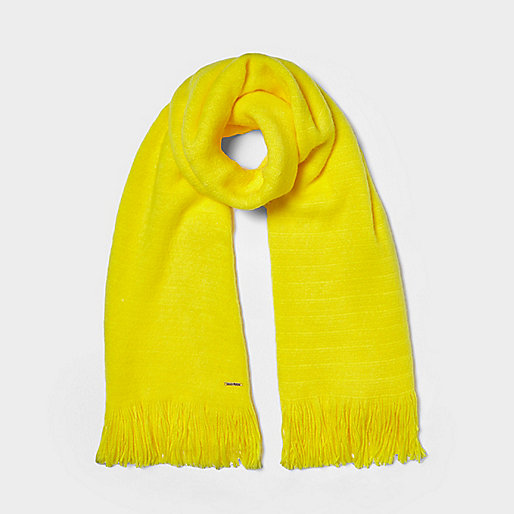 Yellow blanket scarf