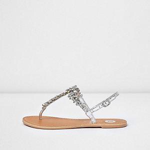 Sandales argentées métallisées ornées de strass