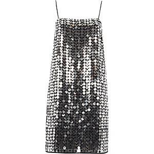 Silberfarbenes Trägerkleid mit Pailletten