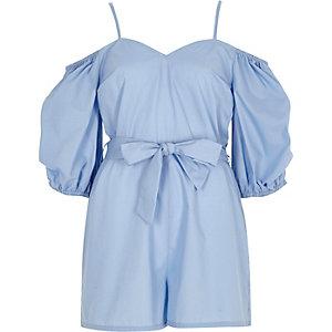 Combi-short bleu avec cordon à la taille et manches bouffantes