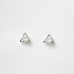 Silberne, dreieckige Ohrstecker mit Stein