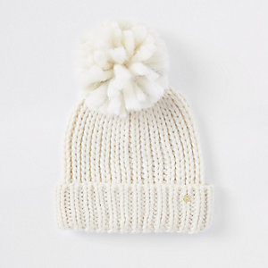 Cream pom pom beanie hat