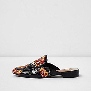 Zwarte lakleren loafers met rozenapplicatie en open hiel
