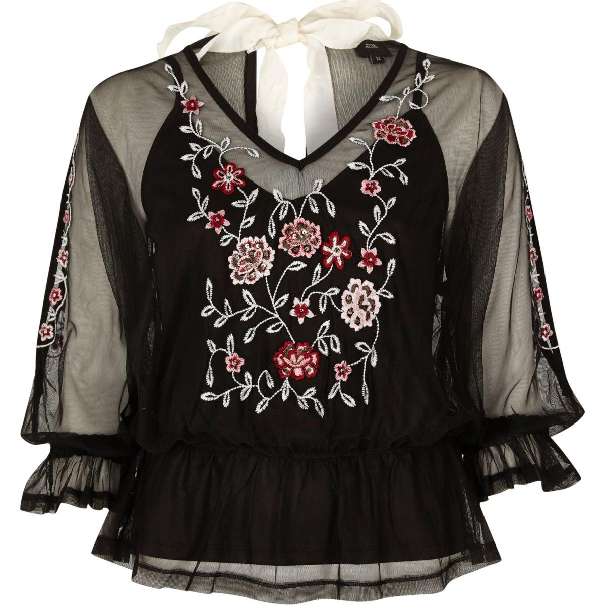Top en tulle noir avec fleurs brodées