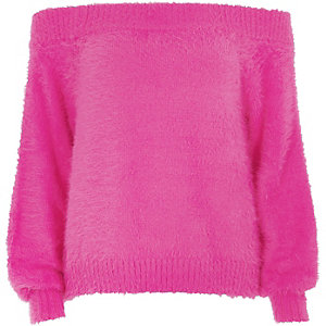 Pull Bardot en maille duveteuse rose vif