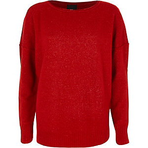 Red asymmetric hem long sleeve jumper