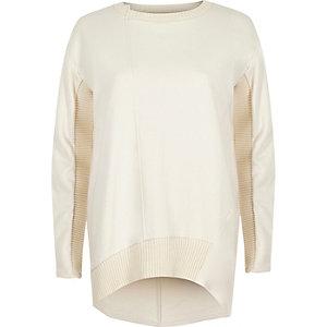 Langärmeliges Sweatshirt in Creme mit Rippakzenten