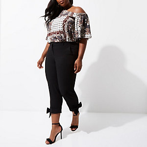 Plus cream scarf print cold shoulder top