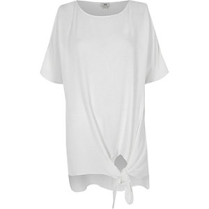 White knot front split sleeve T-shirt