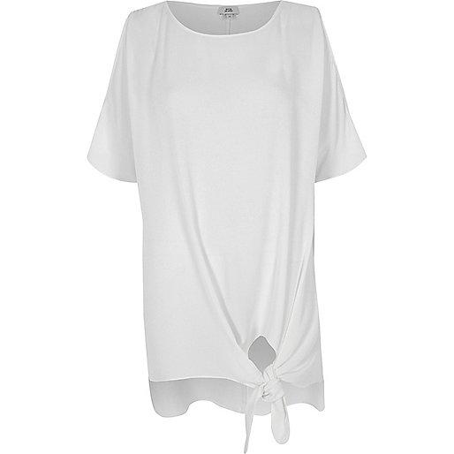 White knot front split sleeve T-shirt