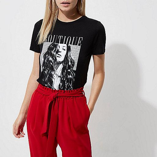 Petite black 'boutique' photo print T-shirt