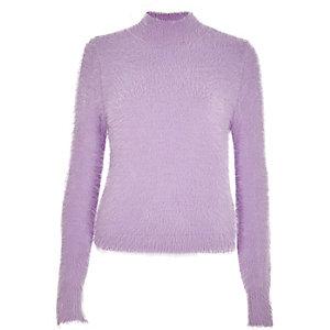 Pull en maille violet clair duveteux à encolure montante