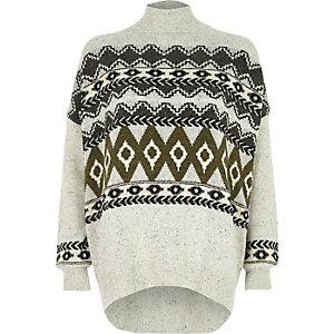 Grauer, hochgeschlossener Pullover im Fairisle-Design