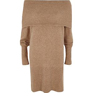 Robe pull beige à encolure Bardot à revers