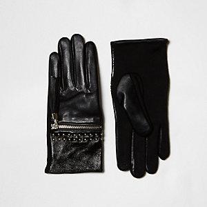 Schwarze Lederhandschuhe mit Nietenverzierung