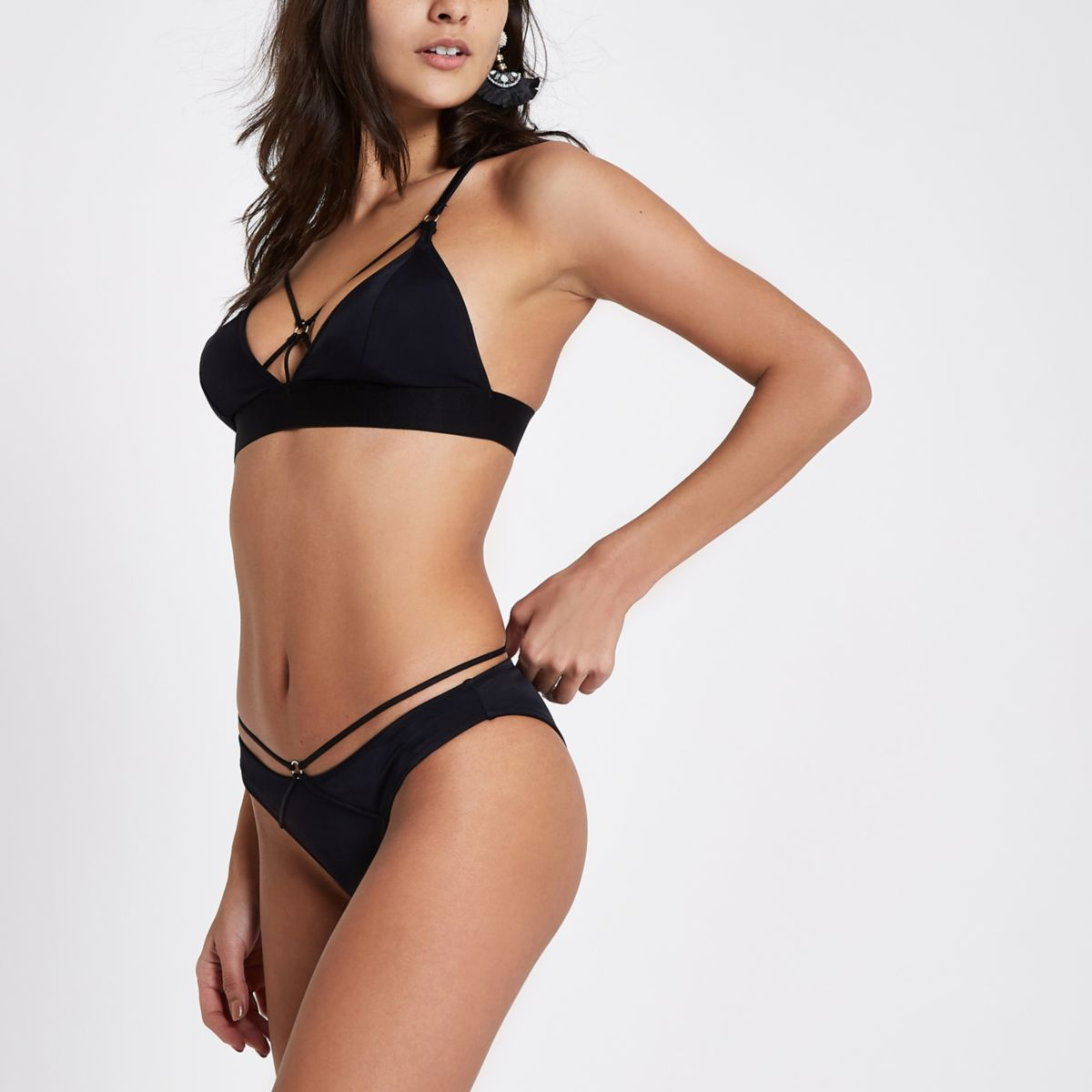 Black ring front cross strap bikini bottoms