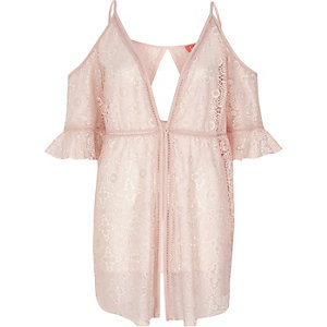 Robe de plage en dentelle rose à épaules dénudées