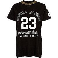 """T-Shirt mit Choker und """"23""""-Print"""