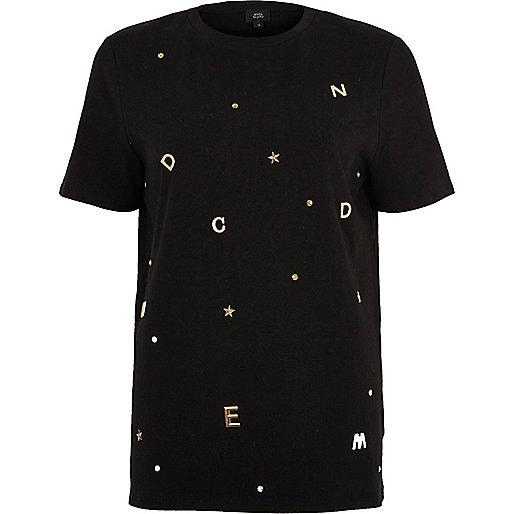 T-shirt noir orné de lettres dorées