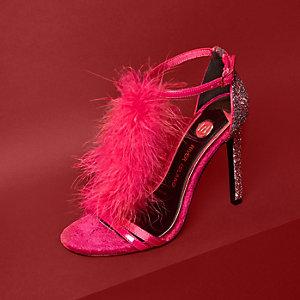 Roze sandalen met veren en T-bandje