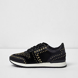 Black studded runner trainers
