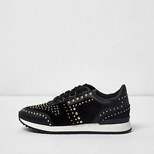 Black studded runner sneakers