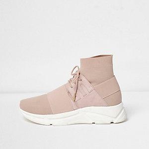 Roze gebreide sokvormige sneakers met veters