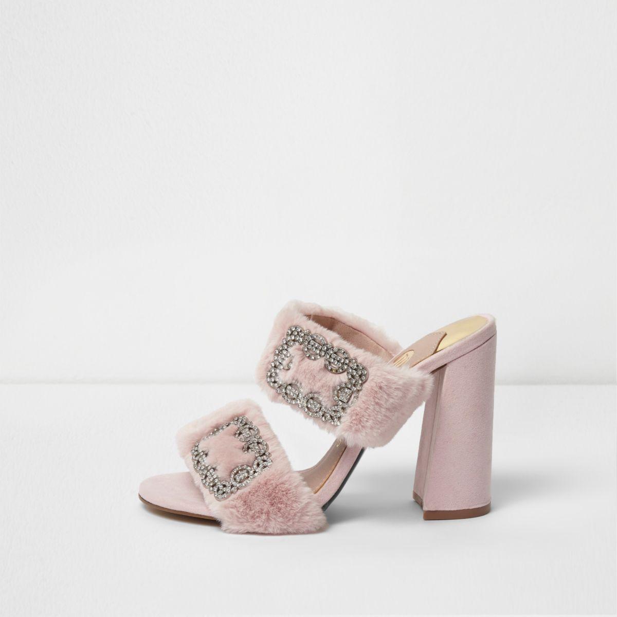 Roze muiltjes van imitatiebont met siersteentjes en blokhak