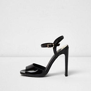 Sandales fines noires à talons carrés