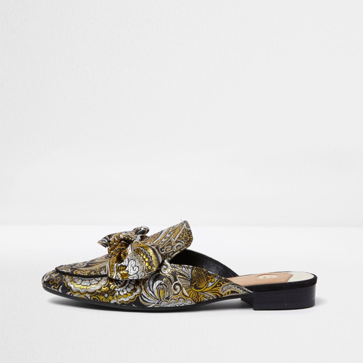 Schwarze Loafer mit Schleife