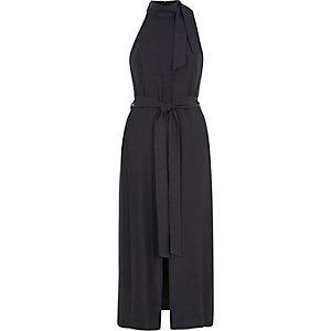 Grijze hoogsluitende midi-jurk met strikceintuur