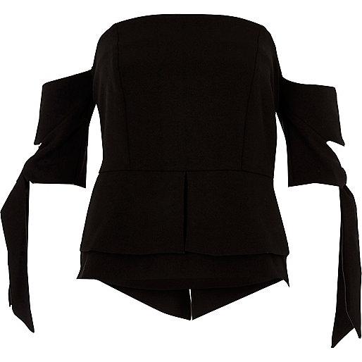 Crop top noir sans bretelles à manches courtes nouées
