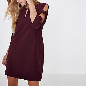 Burgundy bow sleeve shift dress