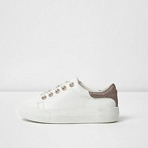 Witte vetersneakers met siersteentjes