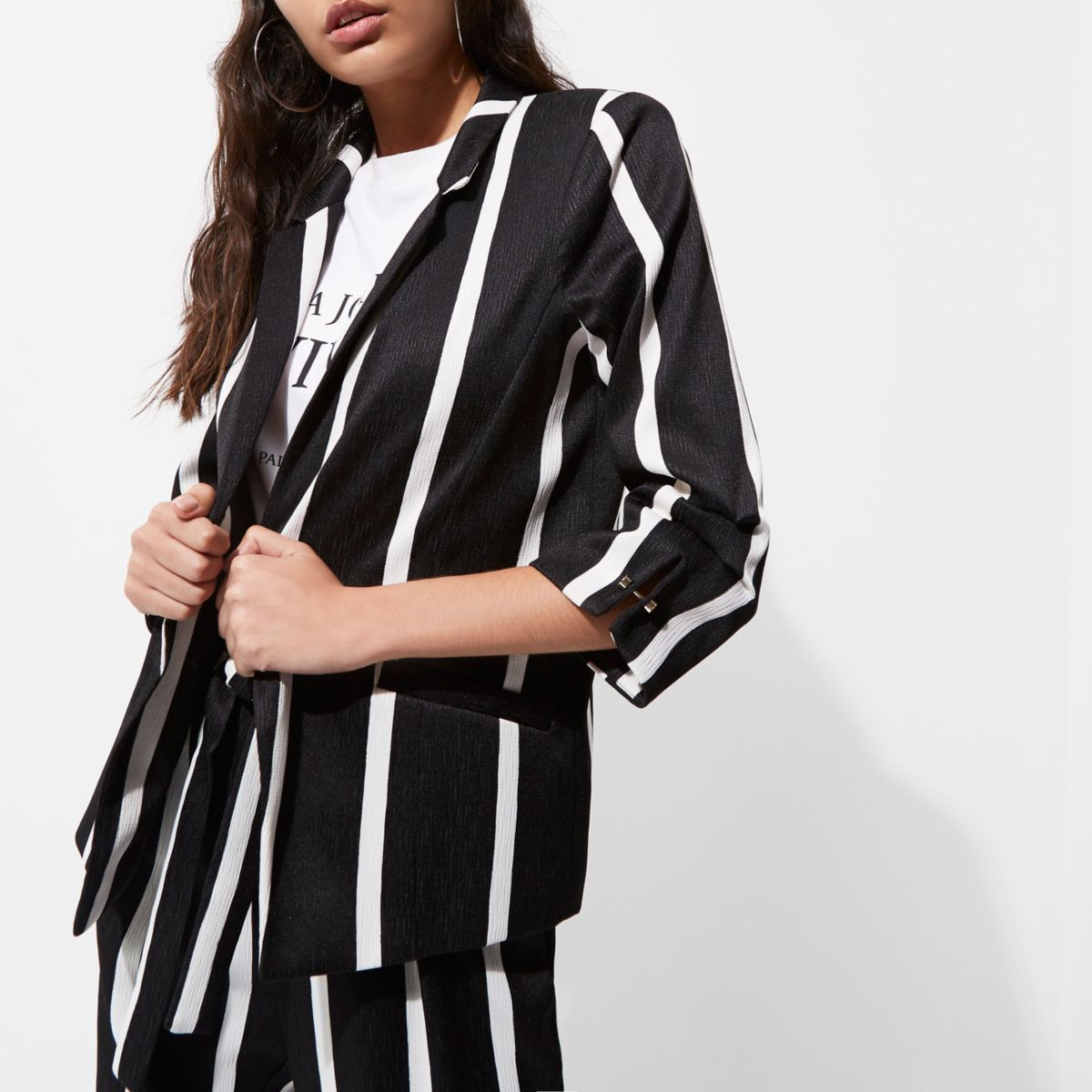 Black stripe print ruched sleeve blazer