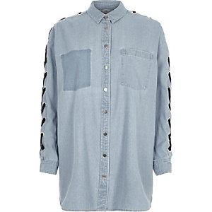 Light blue eyelet lace-up sleeve denim shirt