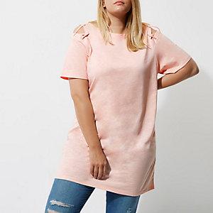 Plus – T-shirt oversize rose à épaules dénudées