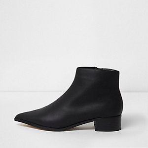 Black pointed ankle boots