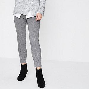 Petite – Legging à carreaux motif chevrons gris